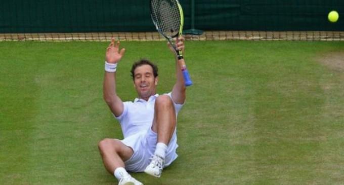 Federer aplasta y Gasquet da la sorpresa.