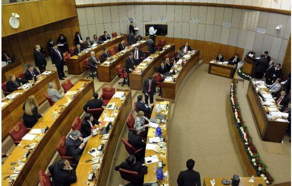 Diputados modifican reglamento y extienden mandato de Mesa Directiva
