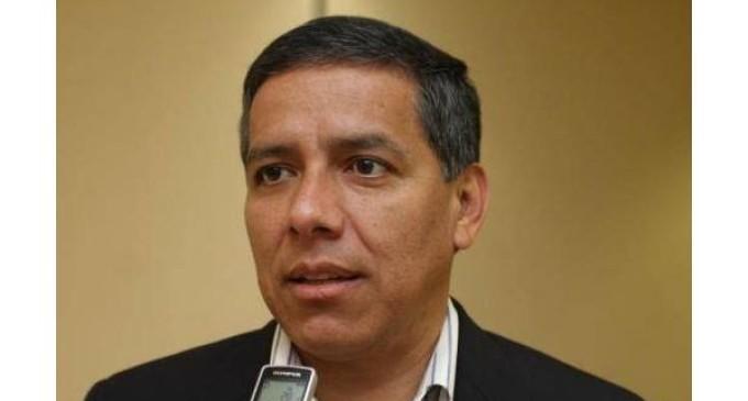 """Senador lamenta """"compra y venta"""" de votos"""