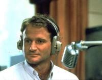 Billy Crystal rendirá tributo a Robin Williams en los Emmy