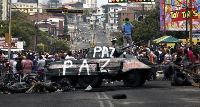 Adolescente muere durante protesta en Venezuela