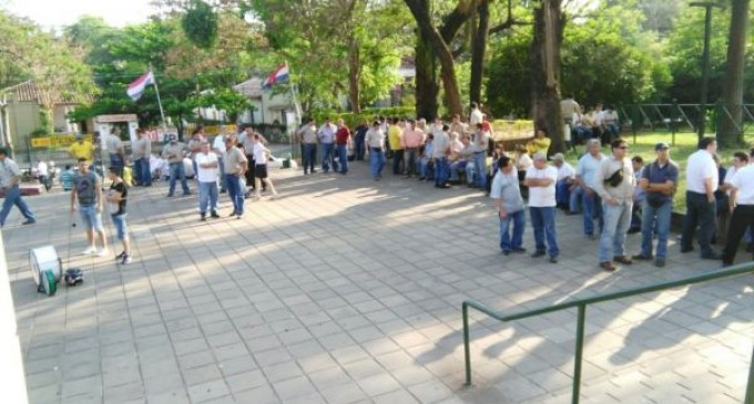 Sindicalistas anuncian huelga en la ANDE