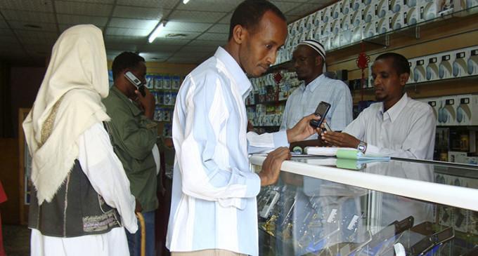 Sin efectivo ni tarjetas: Por qué África ha optado por el dinero móvil