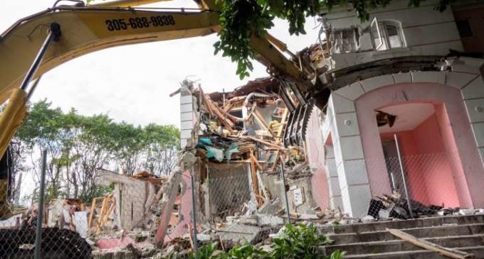 Hallan otra caja fuerte en la antigua casa de Pablo Escobar en Miami