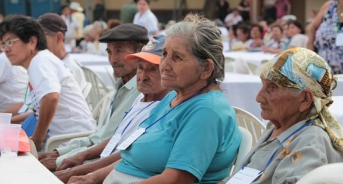 Hacienda establece calendario de pago para veteranos y adultos mayores