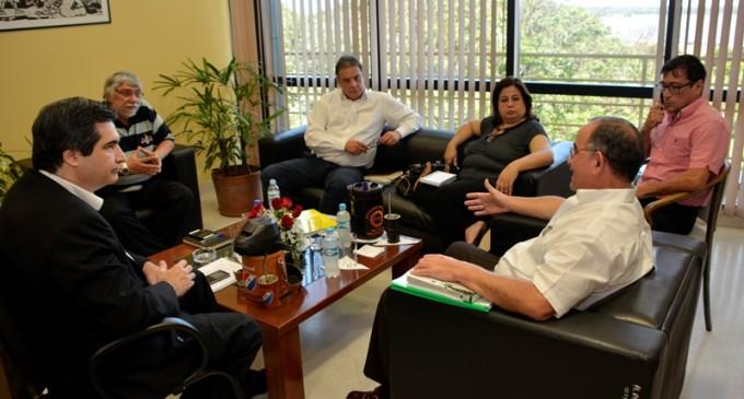 Director de Yacyretá se reunió con senadores del Frente Guasu