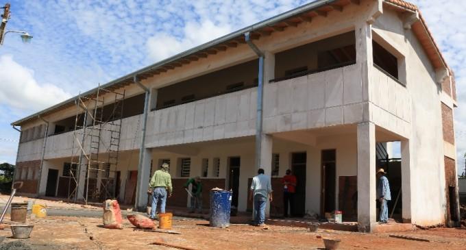 Etapa final de ampliación en escuela de Arroyo Porã financiada por EBY