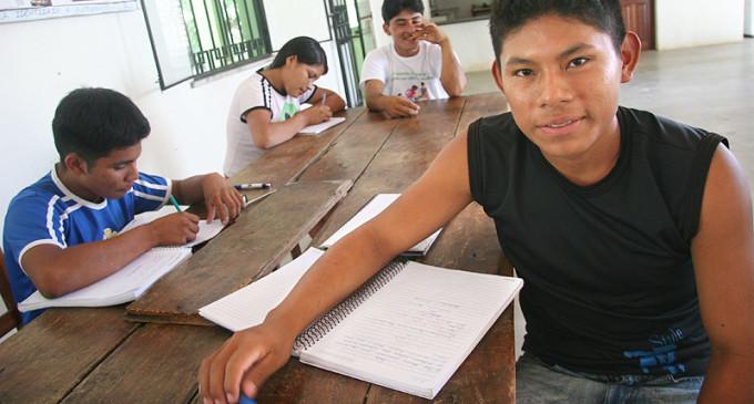 Hasta el 15 de marzo jóvenes indígenas tienen posibilidad de acceder a becas
