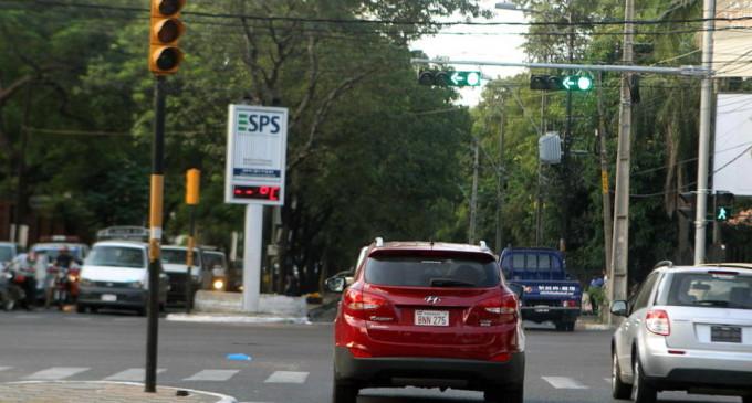 Carencia de energía eléctrica repercute en semáforos