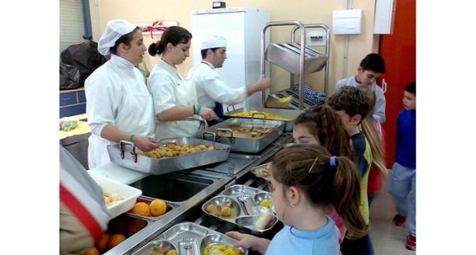 Uruguay prohíbe la comida chatarra en escuelas