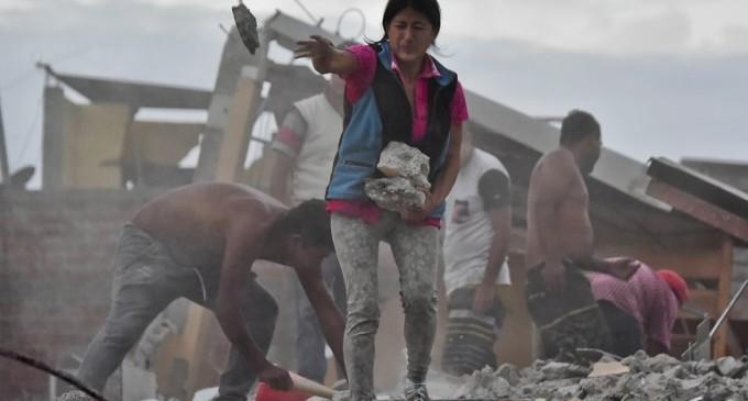 La cifra de víctimas del terremoto en Ecuador sube a 350