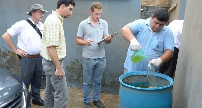 Allanaron lavadero tras denuncia de acumulación de residuos y vertido de aguas oscuras al arroyo Mburicao