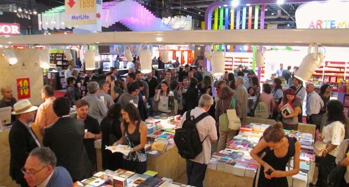 Prosigue Feria Internacional del Libro en Asunción
