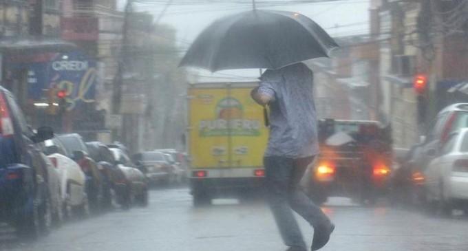 Meteorología anuncia alerta de tormentas para 5 departamentos