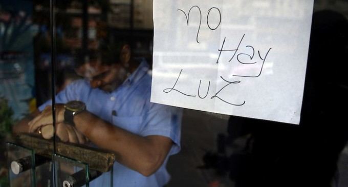 """Apagones en Venezuela: """"No podemos seguir viviendo así"""""""