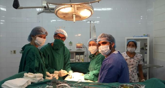 Se destaca equipo médico tras el éxito de una compleja cirugía en Lambaré