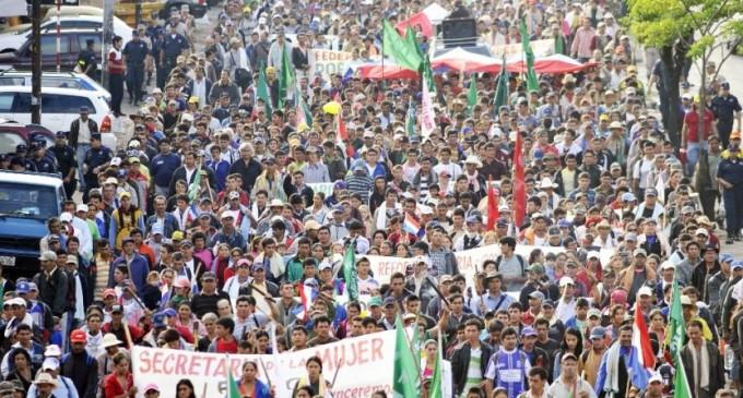 """Dirigente de la FNC: """"El Estado tiene una política de todo para los ricos y nada para los pobres"""""""