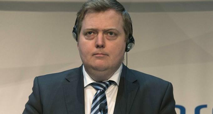 Renuncia primer ministro de Islandia luego de que su nombre apareciera en los papeles de Panama
