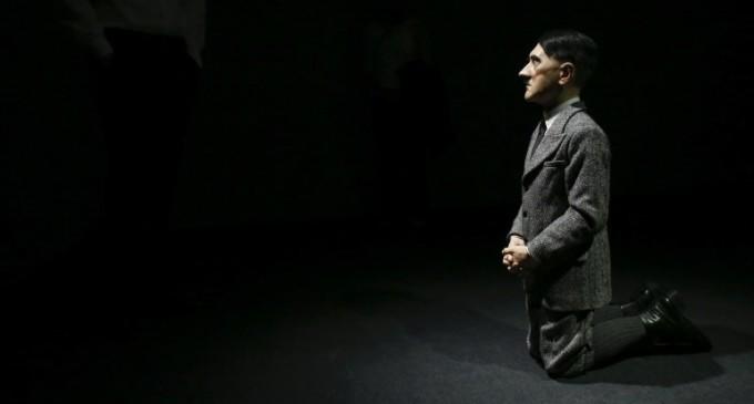 Subastan una estatua de Adolf Hitler en USD 17 millones