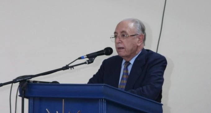 Para el padre Jesús Montero Tirado los estudiantes están violando la Constitución Nacional