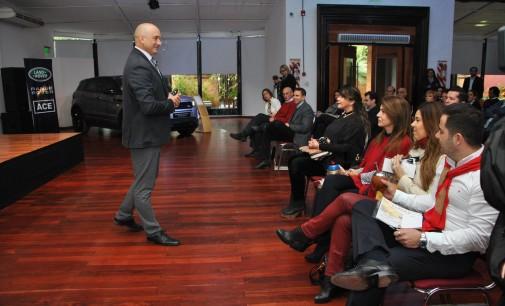 Club de Ejecutivos brindó conferencia de Liderazgo Cuántico