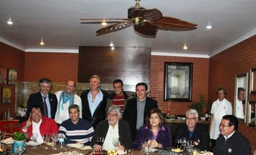 Disidentes festejaron elección de nueva mesa directiva