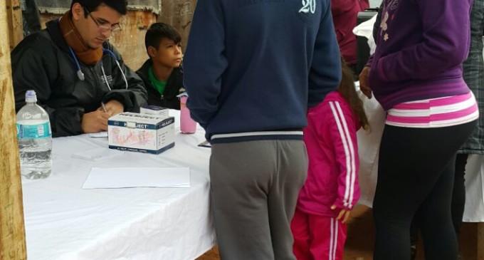 Pobladores del barrio Roberto L. Pettit, recibieron asistencia médica integral