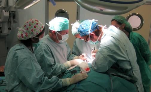 Médicos de IPS debaten sobre trasplante pulmonar