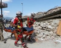 Aumenta a 247 la cifra de muertos tras terremoto en Italia