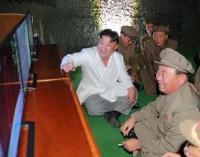 """Líder norcoreano describe como """"gran éxito"""" lanzamiento de misil balístico"""