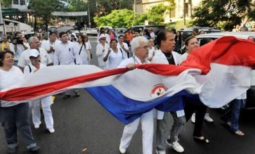 Médicos mantienen la huelga prevista para el 1 y 2 de setiembre