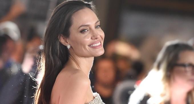 """""""Ese Brad no te merece"""", la inusual propuesta de un escritor ruso a Angelina Jolie"""