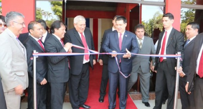 Inauguraron polideportivo en San Lorenzo