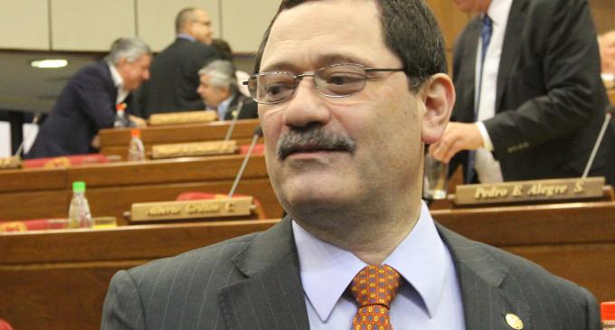 La certeza constitucional no existe en la Constitución, dice asesor jurídico de Cartes