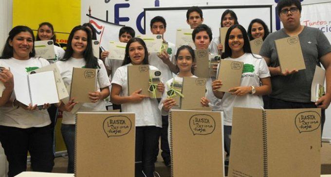 """Regalan cuadernos """"reciclados"""""""