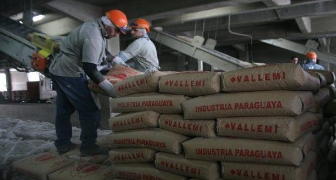 Senador visitó a trabajadores de la INC