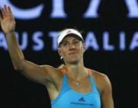 Kerber sufre para avanzar a segunda ronda en Australia. Halep, eliminada