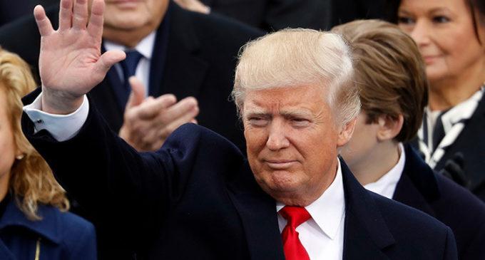 """Donald Trump: """"Hoy el pueblo vuelve a gobernar Estados Unidos"""""""