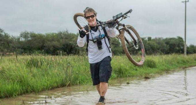 Jerónimo Buman, el hombre que pretende recorrer el país en bicicleta