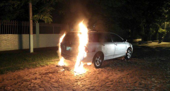 Queman auto de periodista de la Radio Panambi Vera