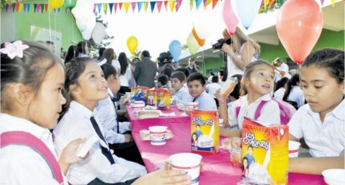 Empresas reclaman pago de deuda por parte de Gobernación de Central para provisión de leche a escuelas