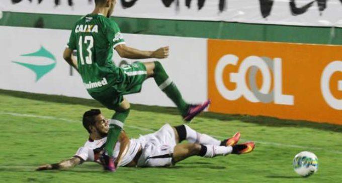 Chapecoense disputó su primer partido oficial tras el accidente