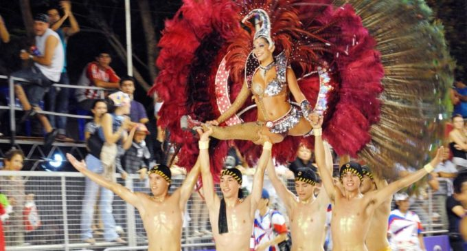 Esperan a más de 100 mil personas en carnaval encarnaceno