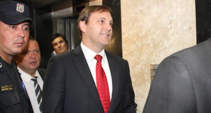 Director de Royal minimiza cifras por adjudicaciones en obras públicas