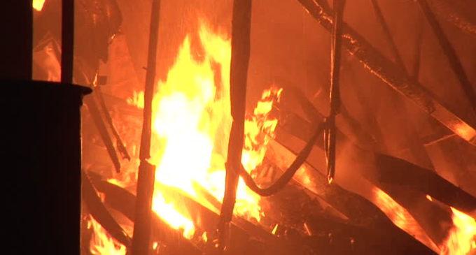 Incendio consume vivienda en Capiatá