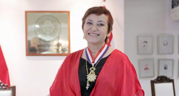 Cancillería distingue a Berta Rojas por su labor y trayectoria musical