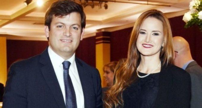 Ministra elogia a mujeres de su equipo y destapa su vida privada
