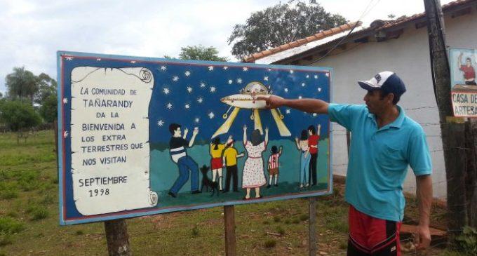 Visita de OVNIs y la Semana Santa en Tañarandy