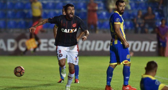 Paranaense venció 1 a 0 a Capiatá y clasificó