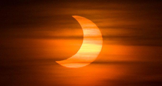 El domingo podrá observarse en nuestro país el eclipse parcial de Sol